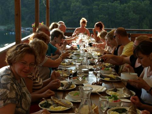 Vacsora Novigradban