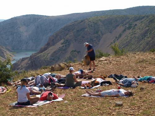 Hangfürdő-meditáció a Zrmanja kanyonnál